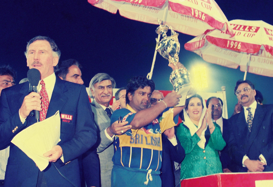 Sri Lankan captain Arjuna Ranatunga proudly holds aloft the 1996 Wills World Cup